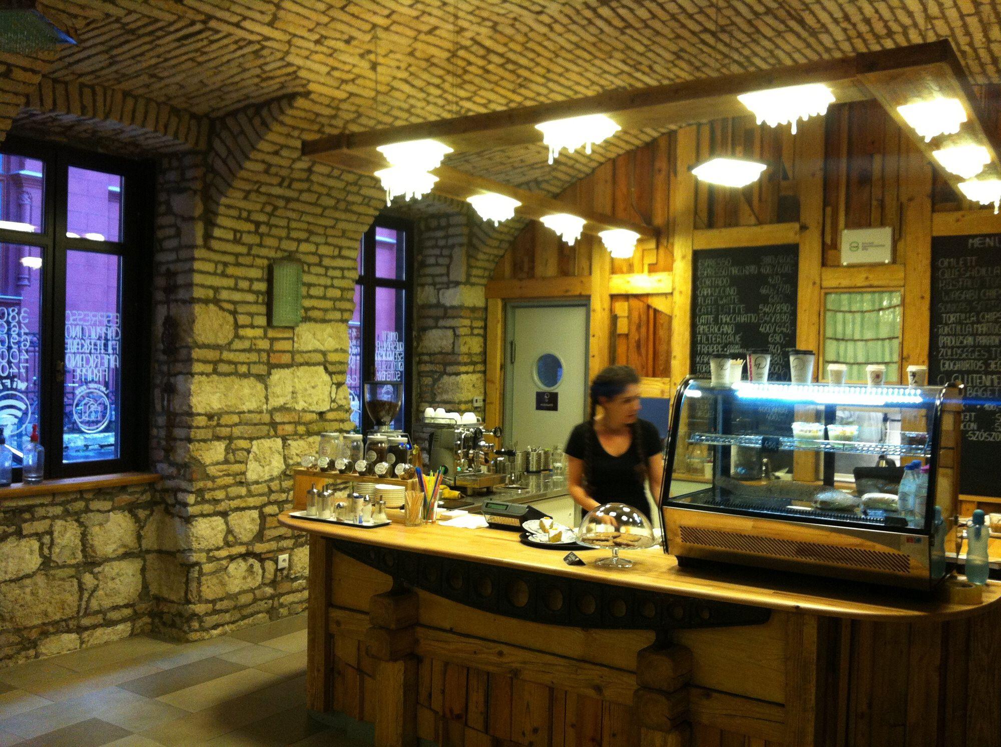 Adna Kávézó