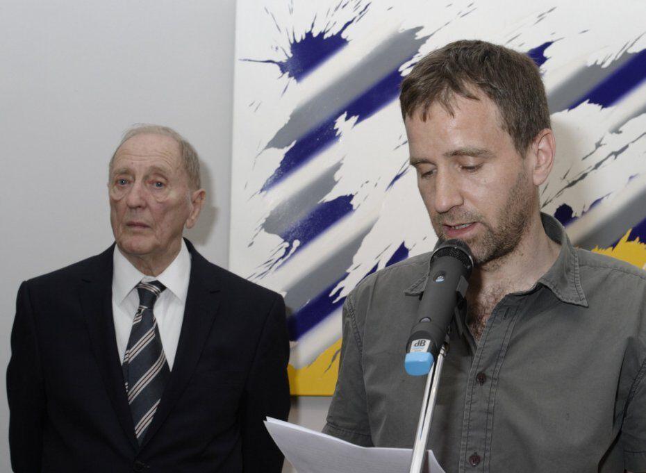 Seregi Tamás megnyitja Hencze Tamás kiállítását, Fotó: Art Salon Társalgó Gallery