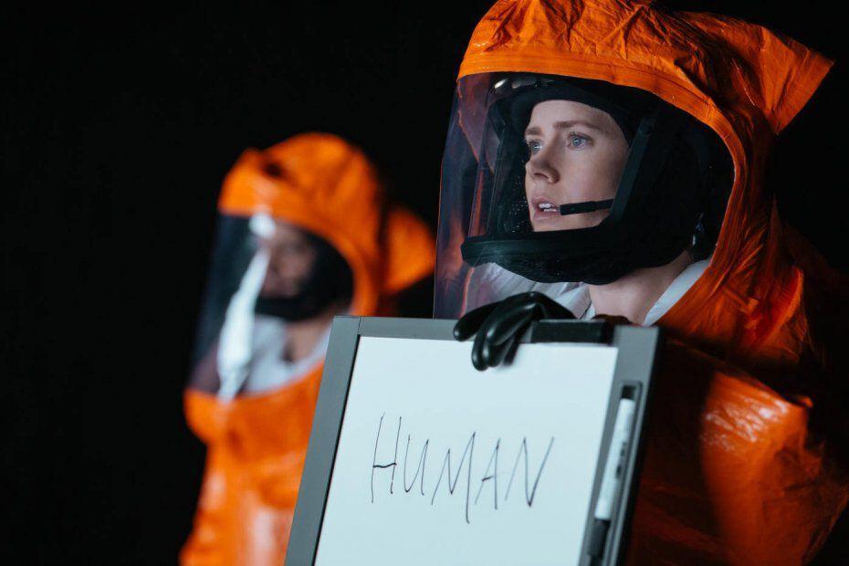 Amy Adams és Jeremy Renner az Arrivalban