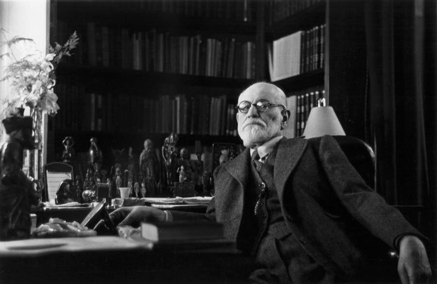 Sigmund Freud Critique Essay1
