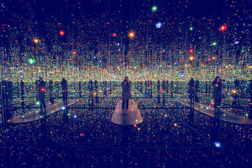 Infinity Mirrored Room Yayoi Kusama 3