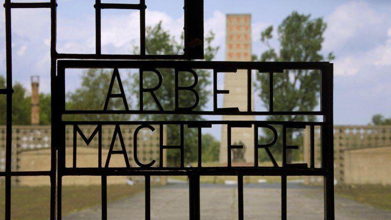 Kz Sachsenhausen Arbeit Macht Frei Schild 1535693066