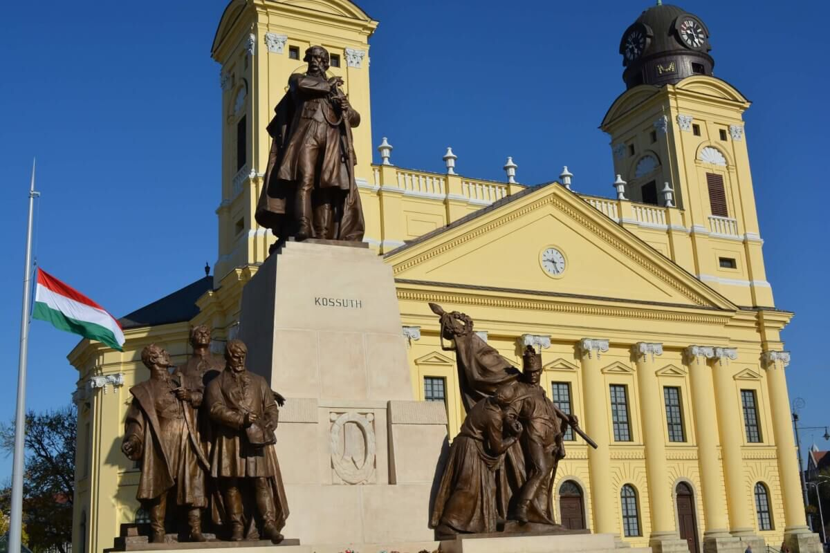 Debrecen kossuth lajos szobor 2