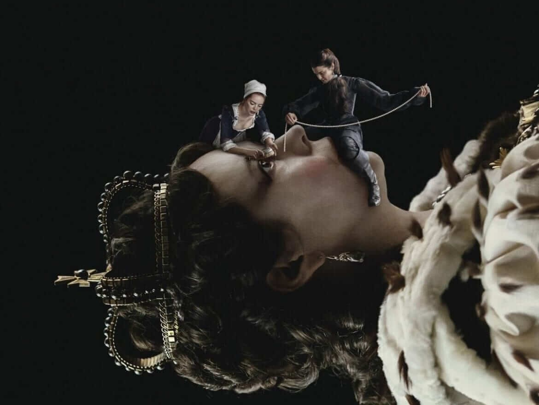 Olivia Colman Emma Stone i Rachel Weisz plakat filmu Faworyta fot. Element Pictures