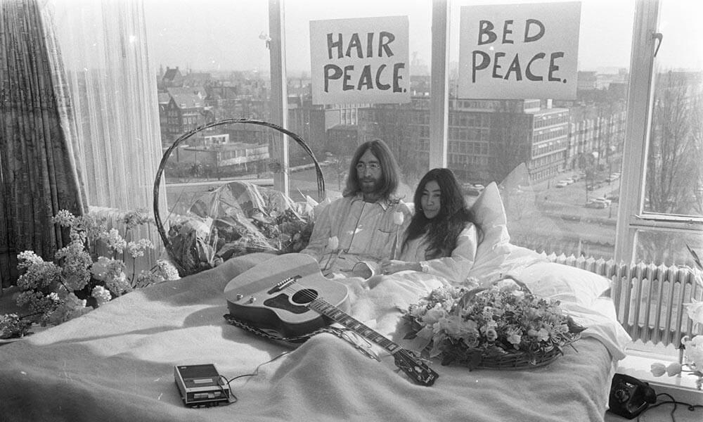John And Yoko Bed in Amsterdamn 1969 web optimised 1000