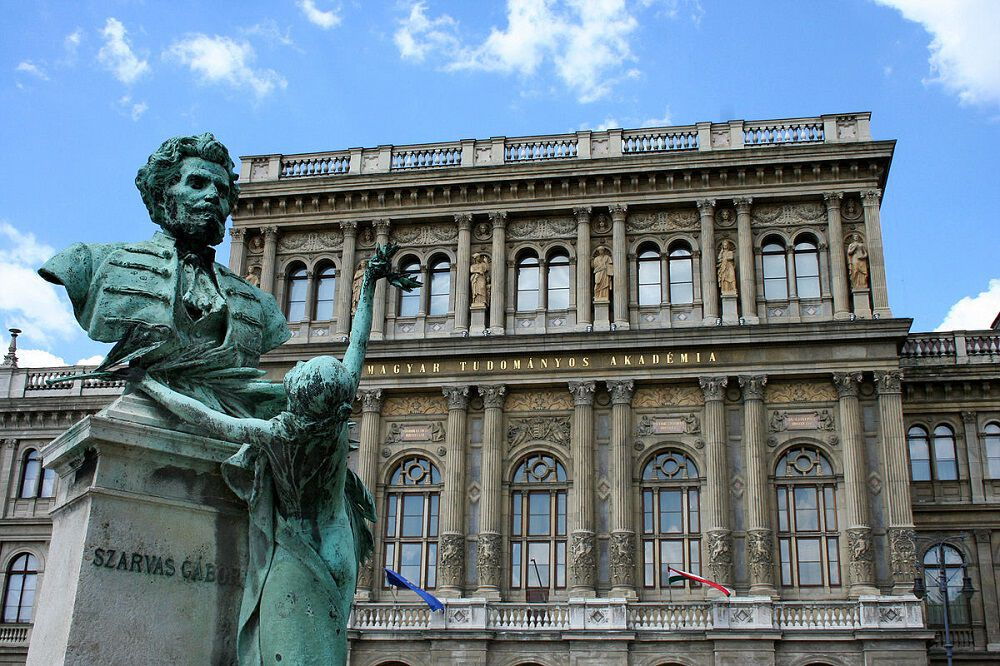magyar tudományos akadémia mta