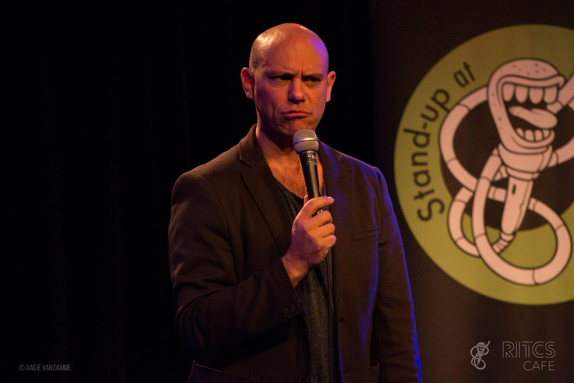 adam fields komikus stand up comedy