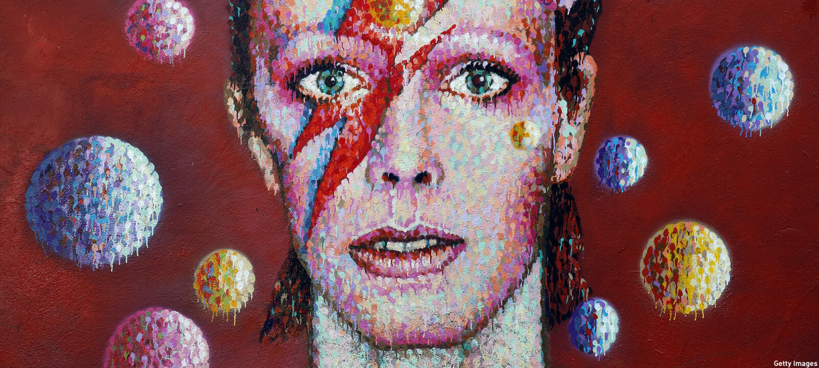 anglo 2000x1125 david bowie mural e1452636640591