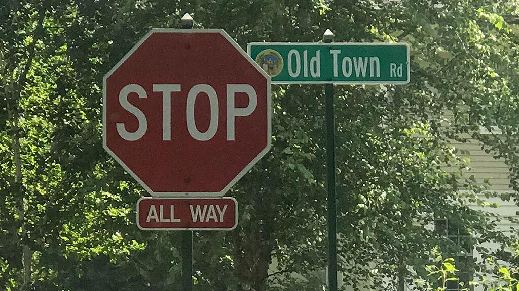 lil nas x old town road utcatábla