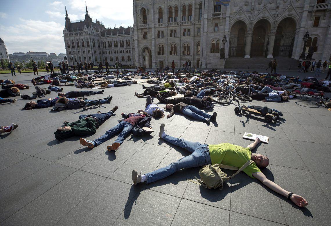 klímaváltozás klímaválság szabadság híd tüntetés klímavédelem