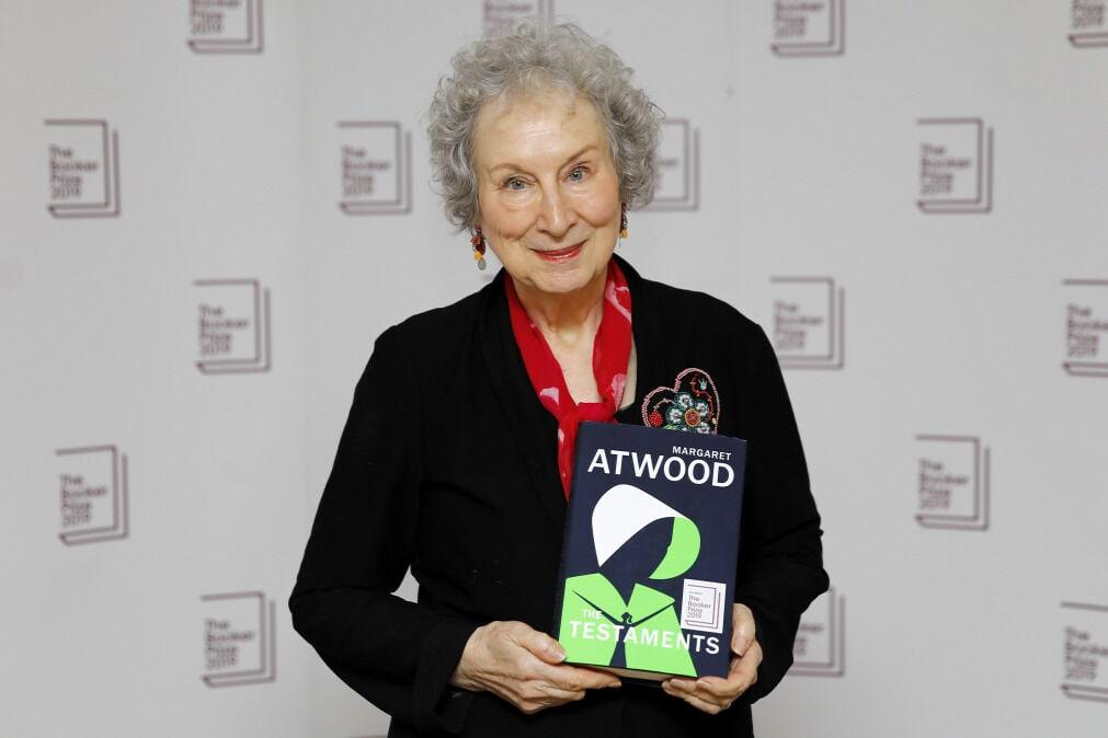 man booker díj 2019 nyertesek margaret atwood the testaments könyv a szolgálólány meséje folytatás
