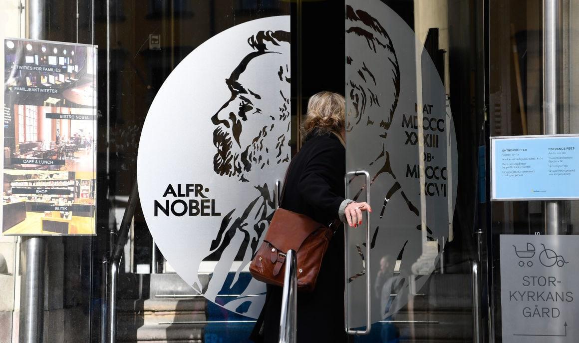 svéd akadémia nobel díjasok 2019 telefonbetyárkodás
