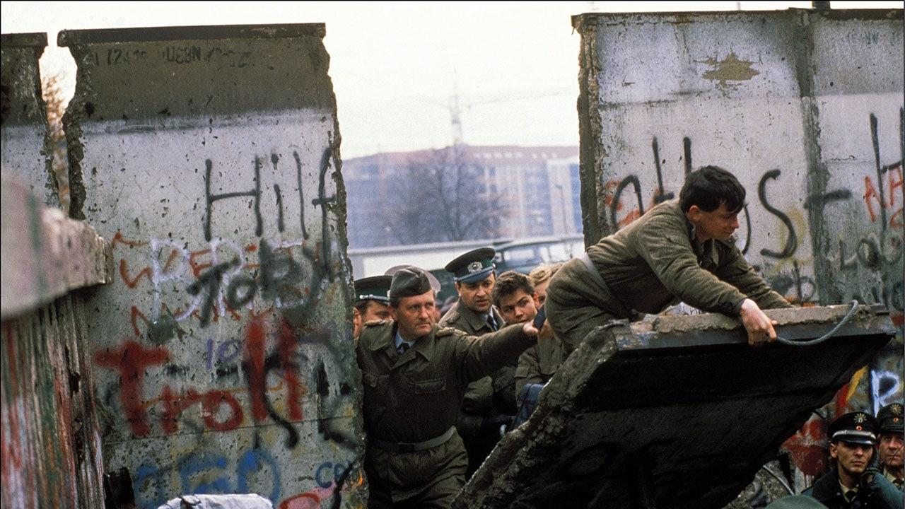 berlini fal építése berlini fal leomlása berlini fal lebontása
