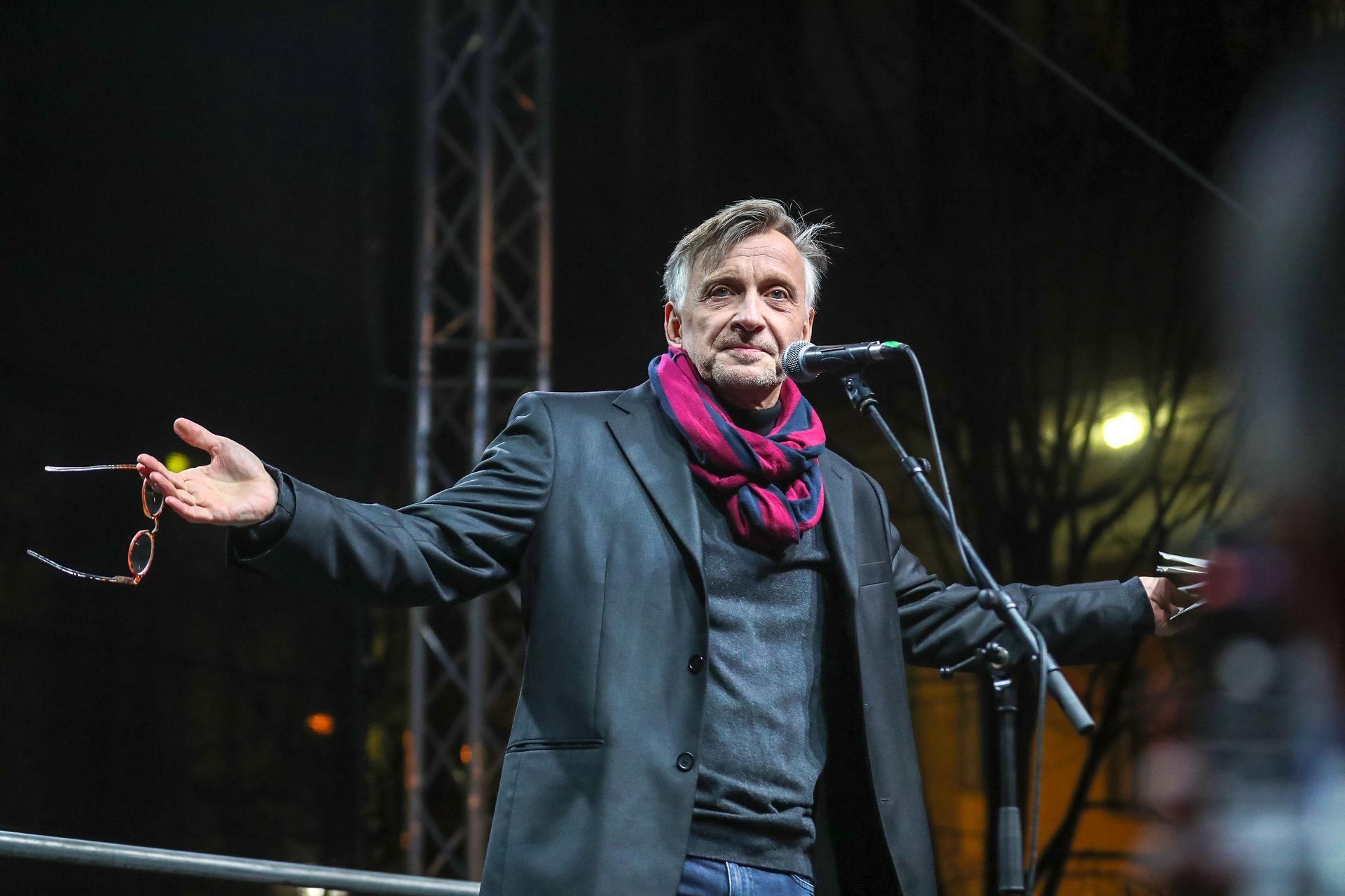 Mácsai Pál Tüntetés Nemzeti Kultúra Alap Színház Tüntetés