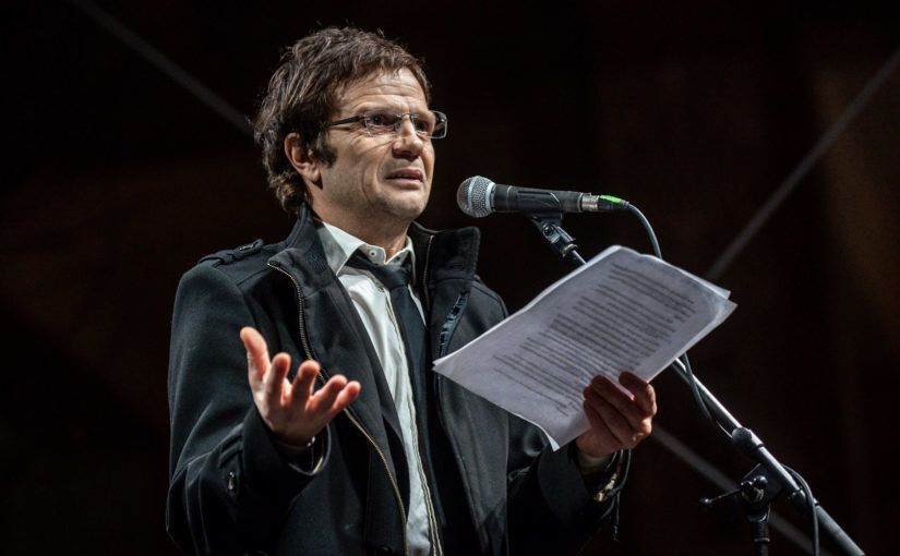 Pintér Béla Tüntetés Nemzeti Kulúra Alap Színház Kultúra Tüntetés