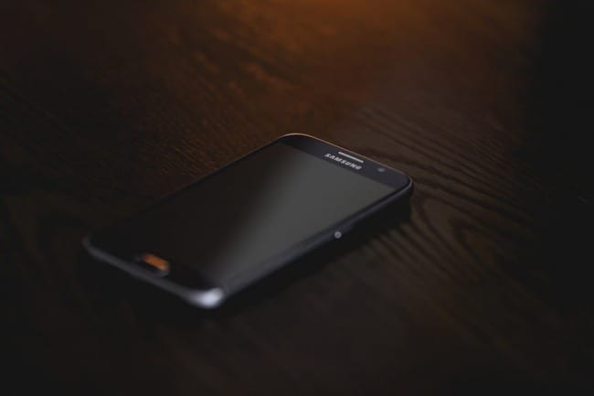 okostelefon távoli elérés
