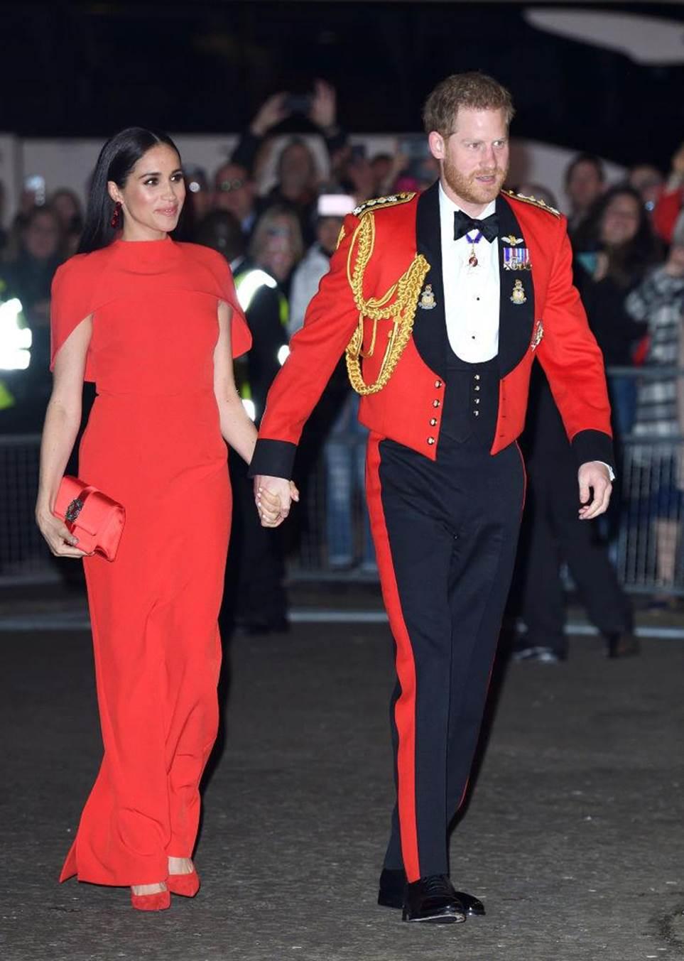 harry herceg meghan markle pirosban