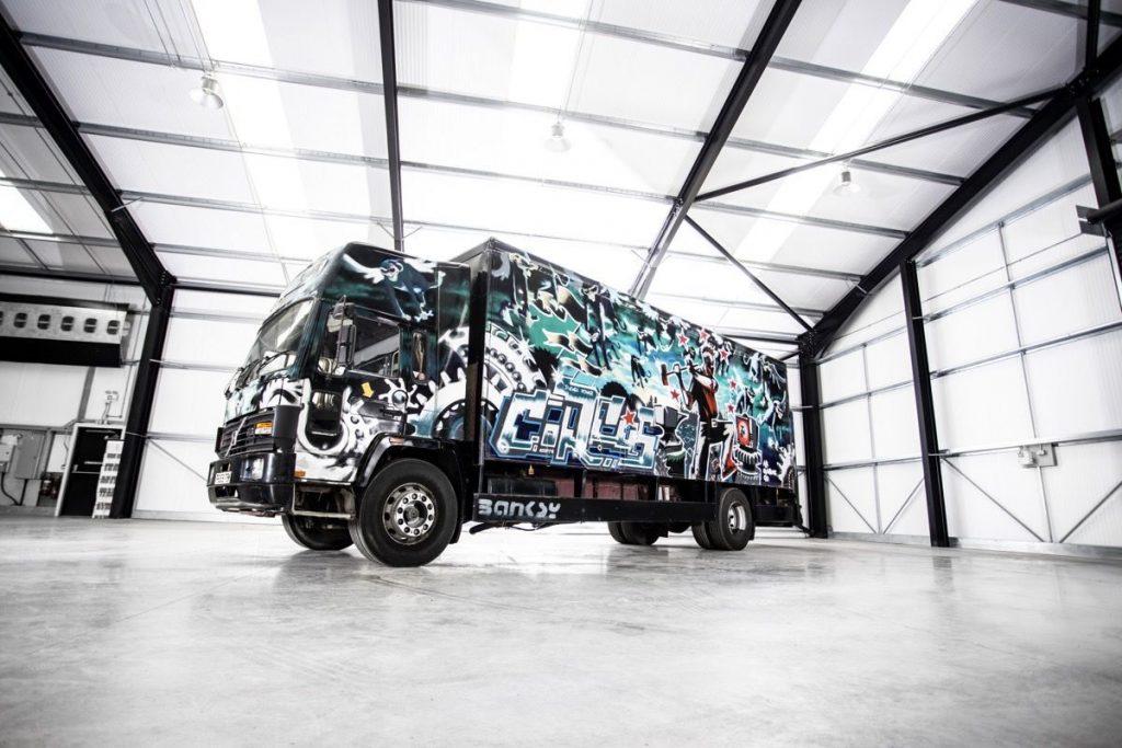 Banksy kamion artwork aukcio