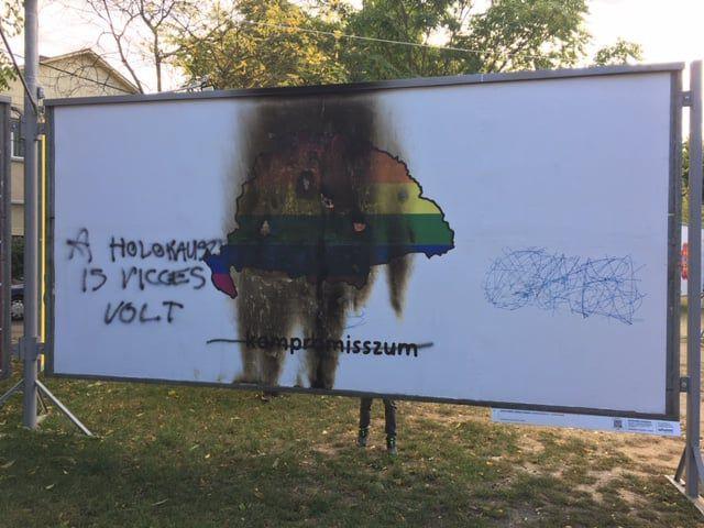 arc kiallitas 2019 kepei megrongalt plakat