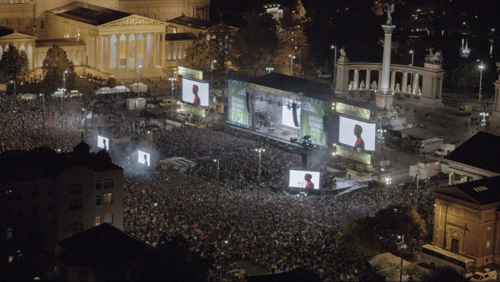 bryan adams koncert hosok tere budapest wellhello koncert hosok tere
