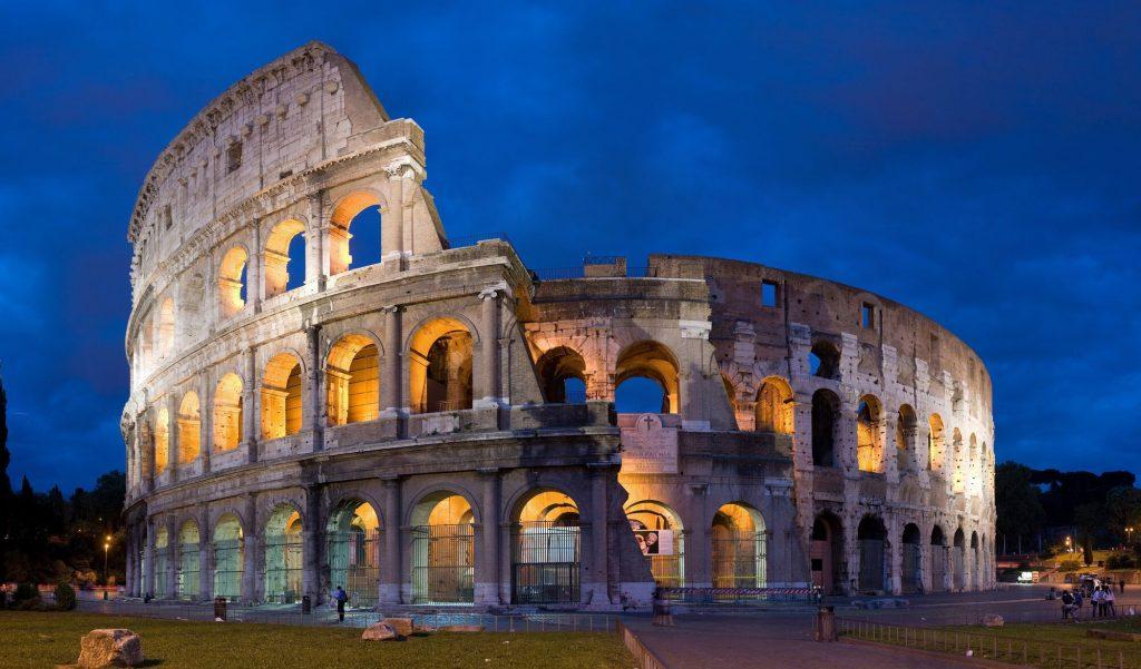 Romai Colosseum Magyar Turista