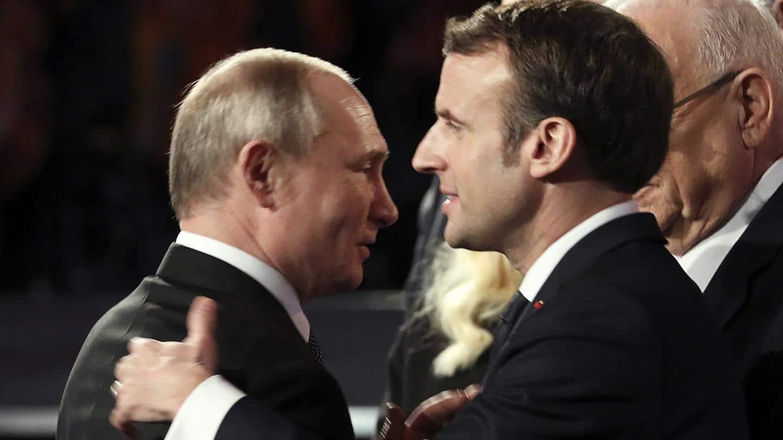 vlagyimir putyin oroszorszag kemkedes emmanuel macron