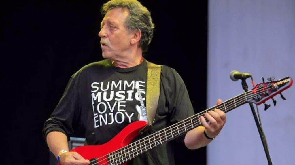 meghalt mihaly tamas omega zenekar basszusgitaros