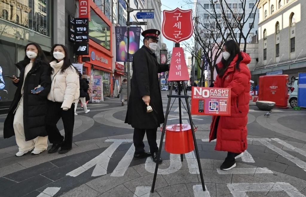 Del Korea Adomanygyujtes Koronavirus Maszk Nap Fotoja