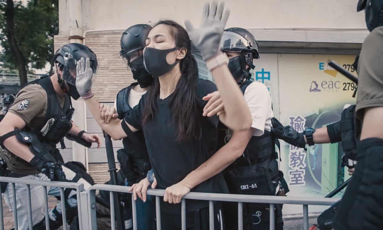 Hongkong Tuntetes Ai Weiwei Cockroach