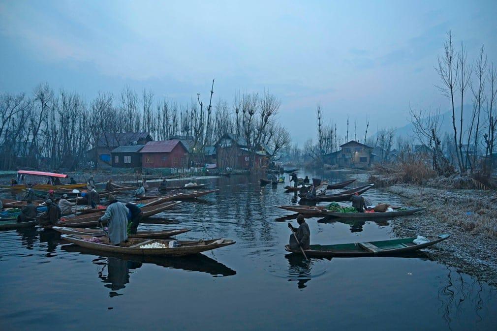 India Zoldsegpiac Csonak Nap Fotoja