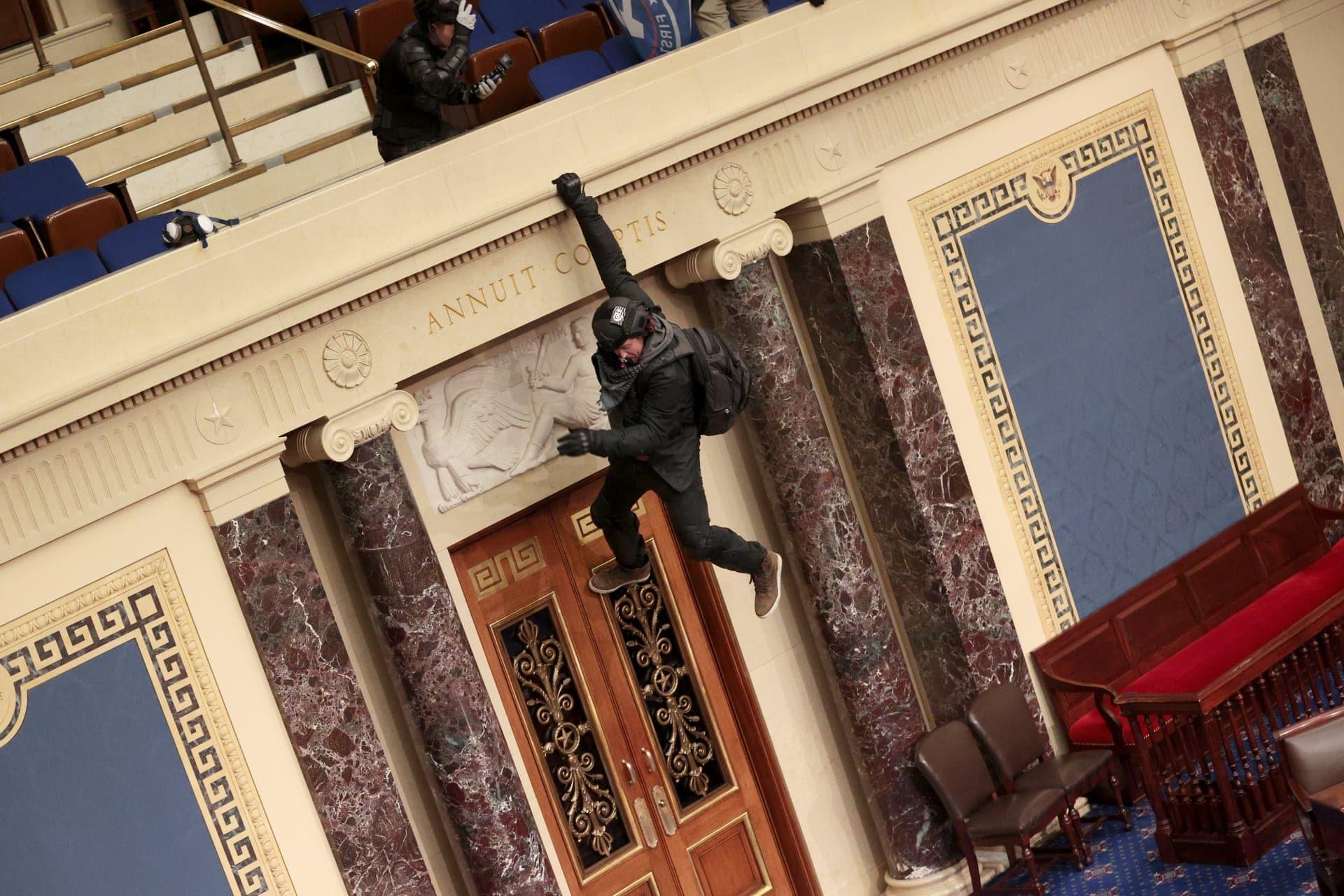 amerikai tuntetesek capitolium kongresszus donald trump