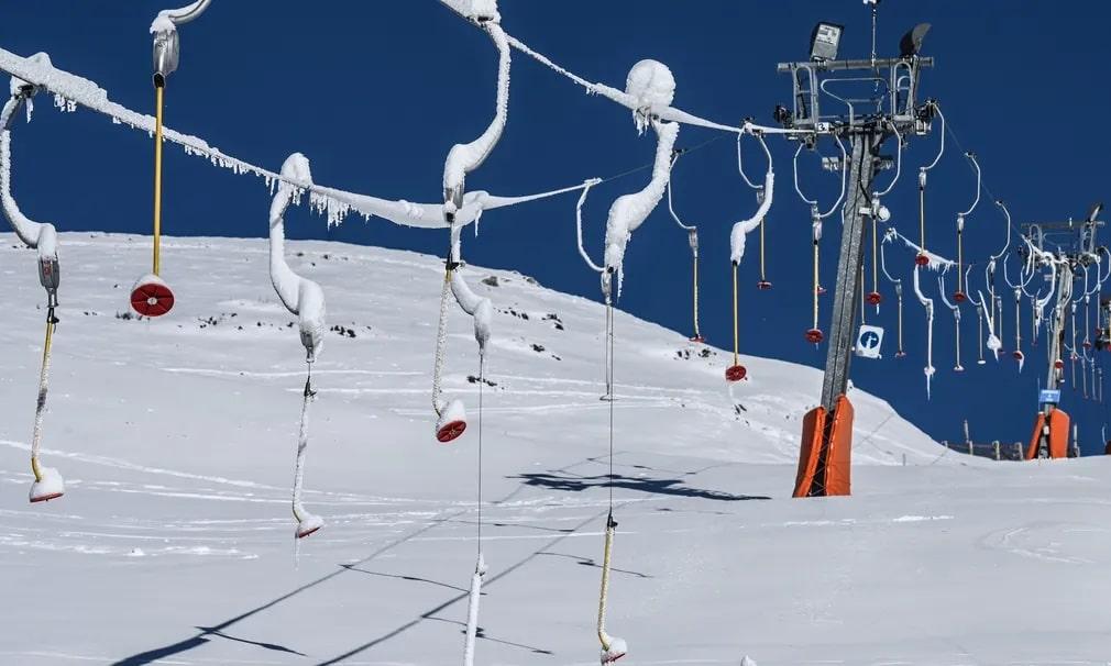 franciaorszag sieles si lift felvono havazas tel nap fotoja