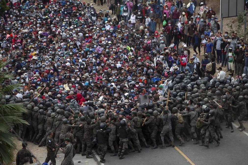 guatemala migrans menekult katona nap fotoja