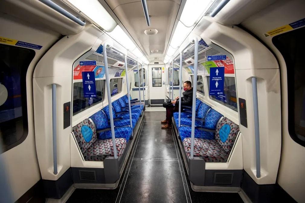 London Metroutazo Koronavirus Csucsido Nap Fotoja
