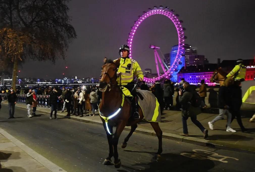 london szilveszter ujev buli rendor lovasrendor koronavirus nap fotoja