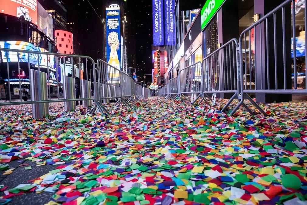 new york szilveszter buek konfetti buli nap fotoja