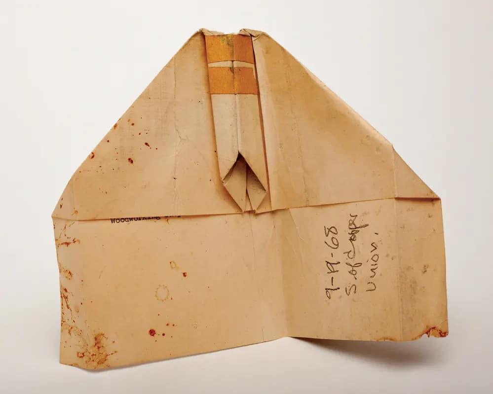 Harry Smith Amerikai Muvesz Antropologus Beat Papirrepulo Hajtogatas New York Koszos Firka