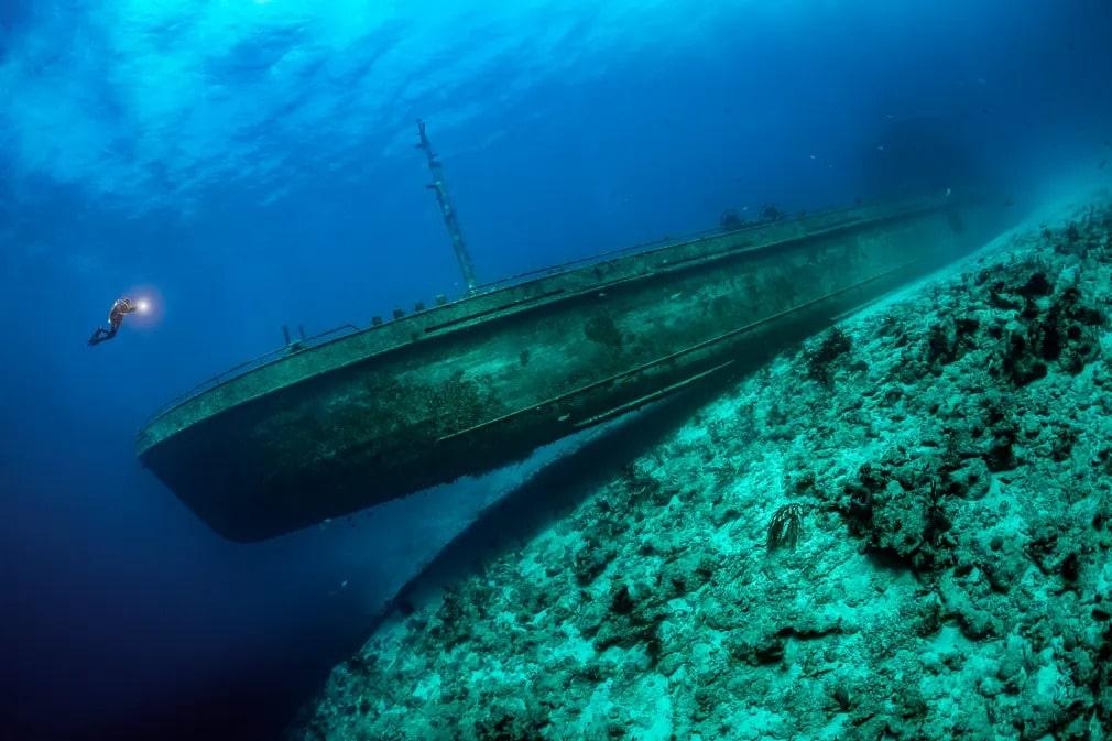 UPY fotopalyazat fotoverseny viz alatti nyertes forografia bahama tobias friedrich hajoroncs
