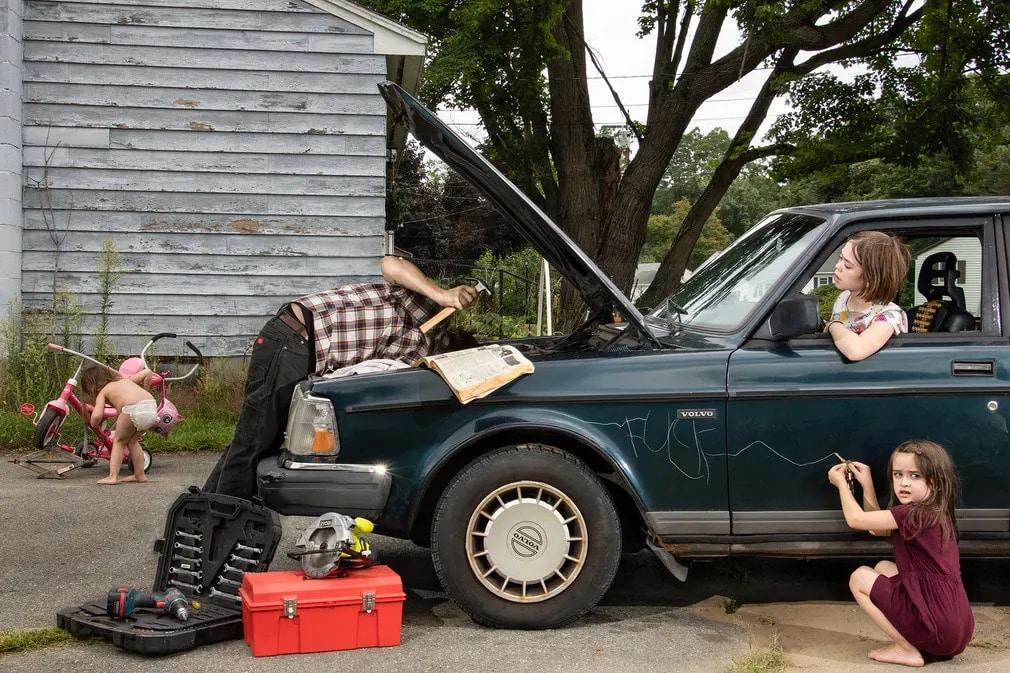 lensculture fotoverseny fotopalyazat Zachary Stephens csalad gyerekek autoszereles auto nap