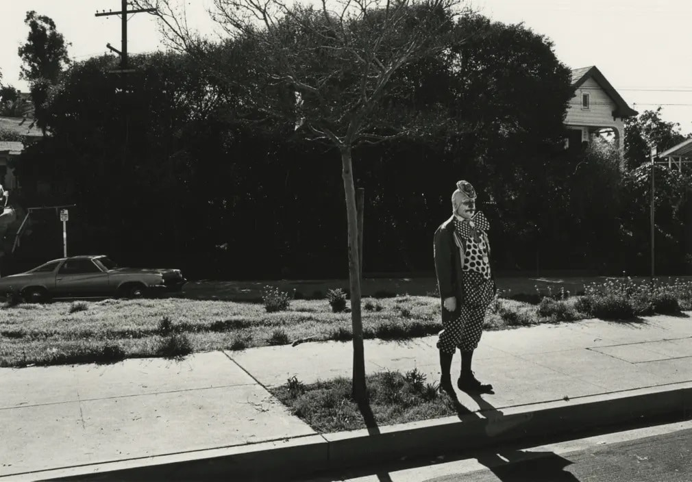 los angeles fekete feher gary krueger vintage kiallitas bohoc nap fotoja