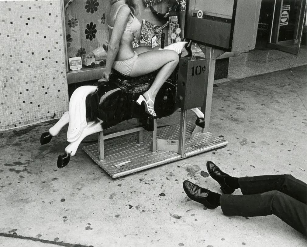 los angeles  fekete feher  gary krueger  vintage  kiallitas  lovacska  jatek  nap fotoja