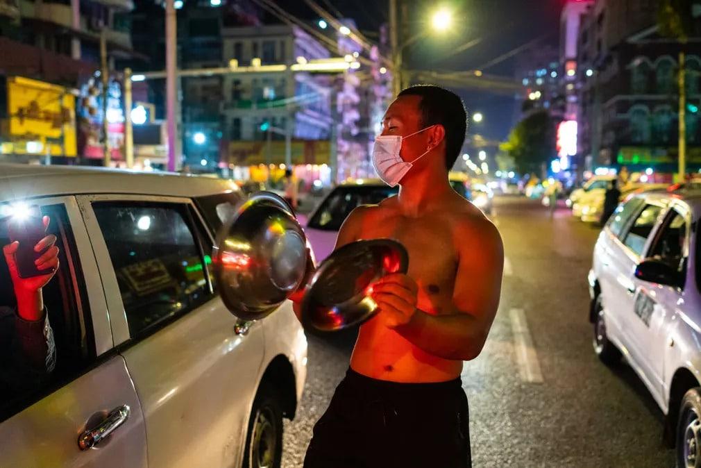 mianmar tuntetes puccs katonasag jelkep zaj tanyer forgalom nap fotoja