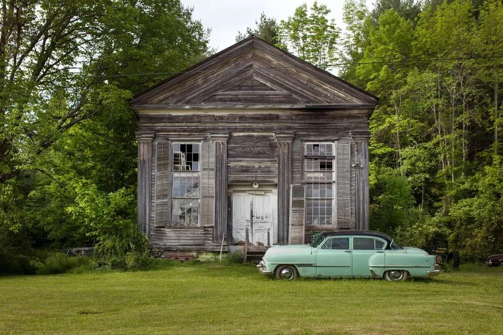 In Search of the Vernacular, Steve Gross, Susan Daley, omladozo hazak, romos hazak, fotokonyv, fotosorozat, Egyesult Allamok, szerelobolt