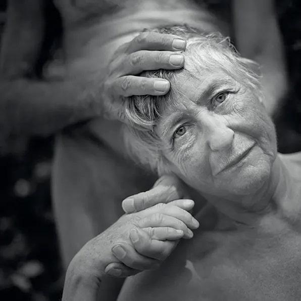 Mona Kuhn, Fotografus, Meztelen, Akt, Fotografia, Foto, Brazil, Irene Es Thomas, Nap Fotoja