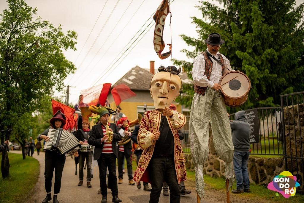 Bondoro Utcaszinhazi Fesztival Kapolcs