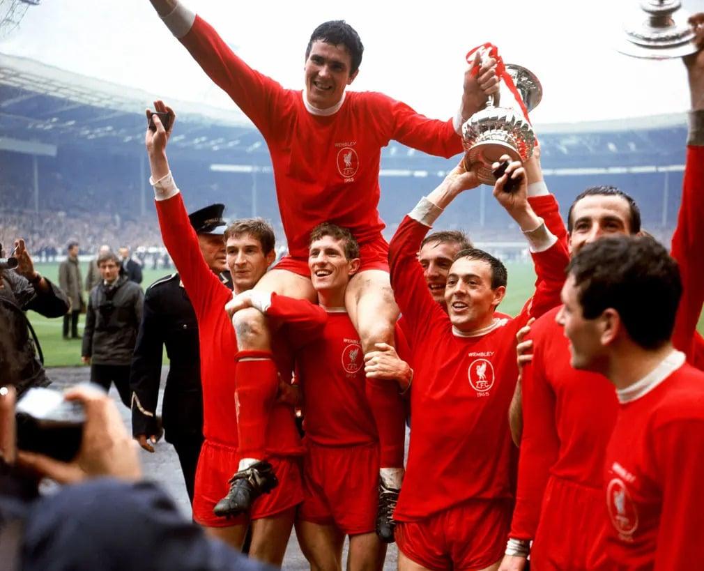 ian-st-john_-futball_-foci_-liverpool_-focista_-ron-yeats_-FA-kupa_-nap-fotoja