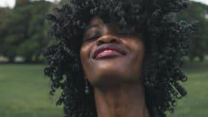 vogue hajszobraszat aprilis lapszam feketek black lives matter egyenjogusag