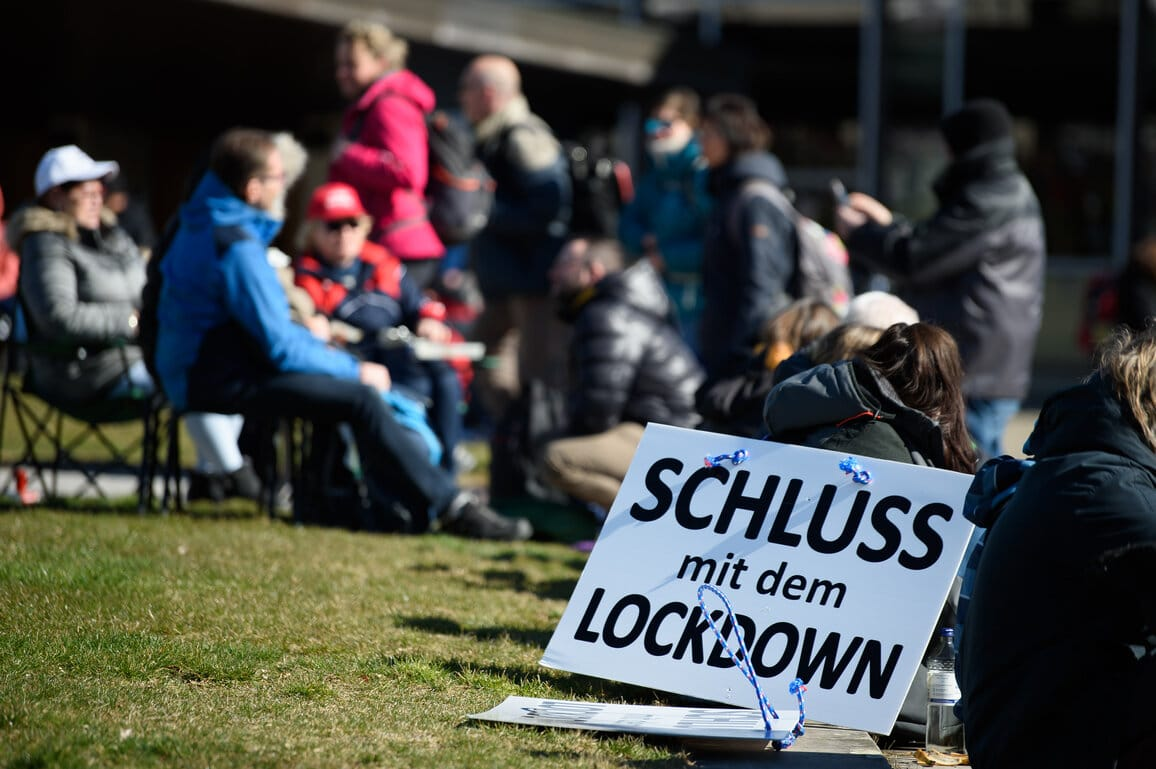 Németország Koronavírus Korlátozás Feloldás Beoltottak