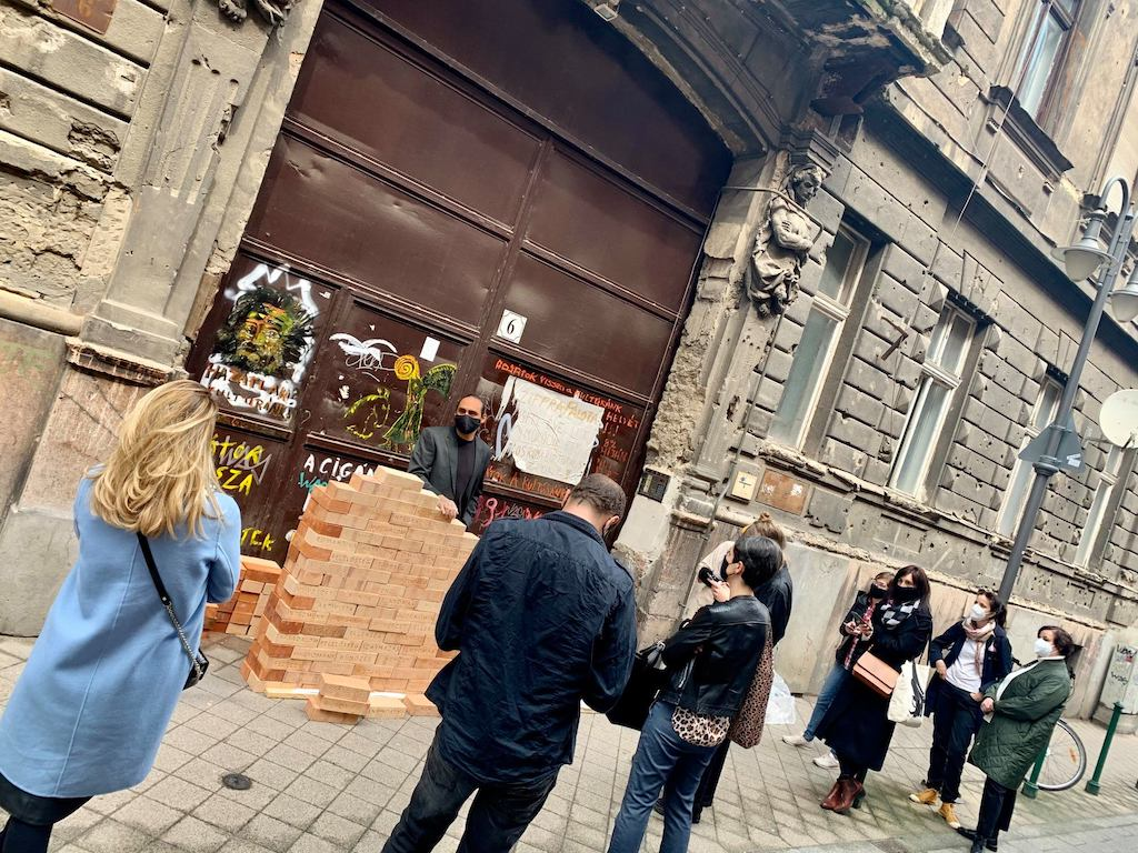 olah norbert festomuvesz a cigany szorongasa off-biennale budapest