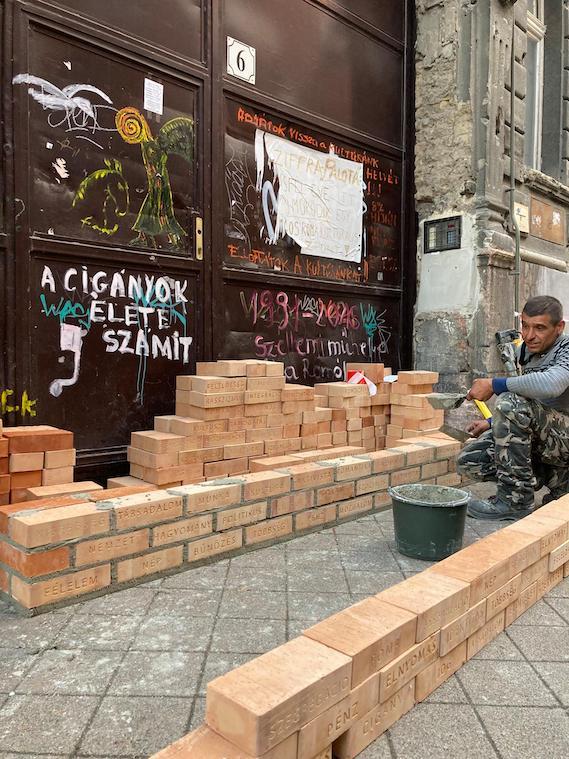olah norbert festomuvesz apja a cigany muvesz szorongasa off-biennale budapest